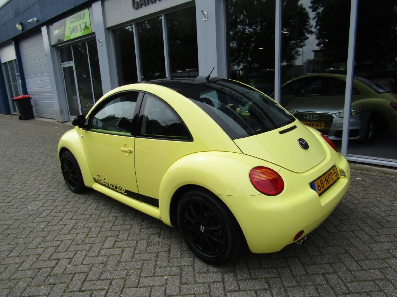 Volkswagen-New Beetle-7