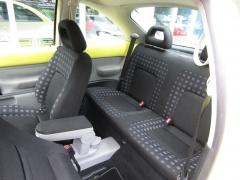 Volkswagen-New Beetle-6