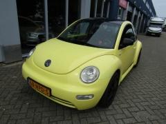 Volkswagen-New Beetle-2