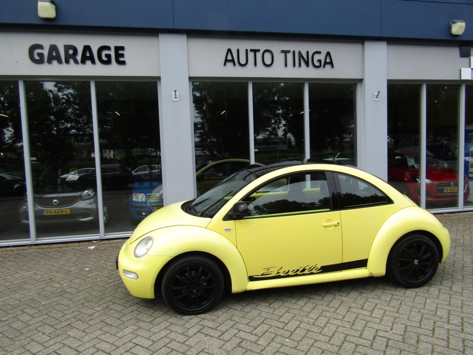 Volkswagen-New Beetle-0