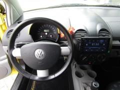 Volkswagen-New Beetle-12