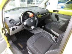 Volkswagen-New Beetle-5