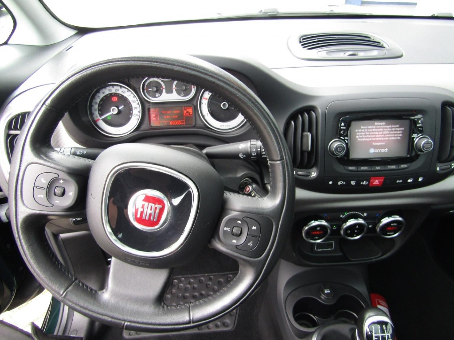 Fiat-500L-14