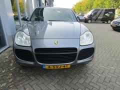 Porsche-Cayenne-3