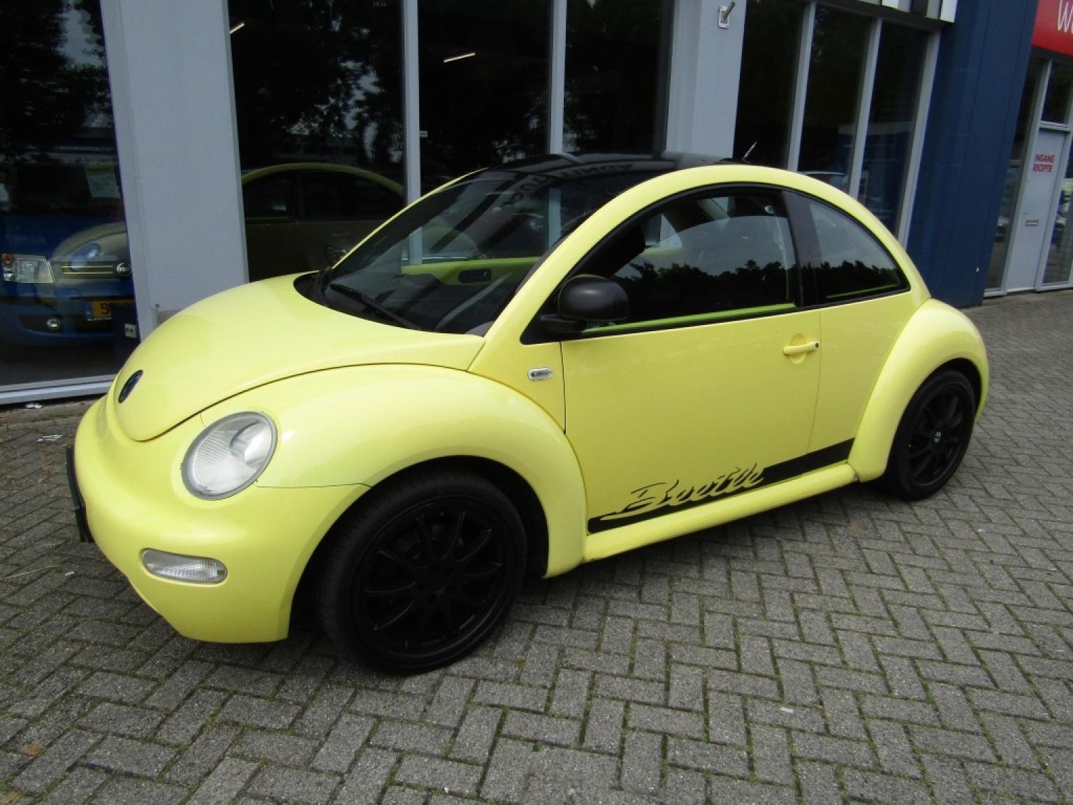 Volkswagen-New Beetle-1